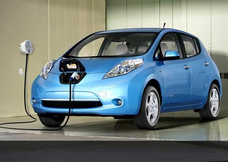 India Aiming for Only Electric Cars on Roads by 2030
