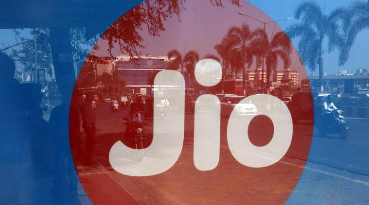 Reliance Jio will launch Jio Fiber Broadband by Oct 2017 to offer 100 GB at 500 Rs per Month.