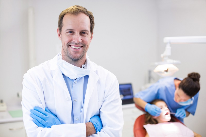 Vital Considerations for Choosing the Right Dentist
