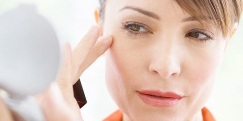 Seven Benefits Of Anti-Aging Creams To Make Your Skin Free From Crow's Feet and Wrinkles