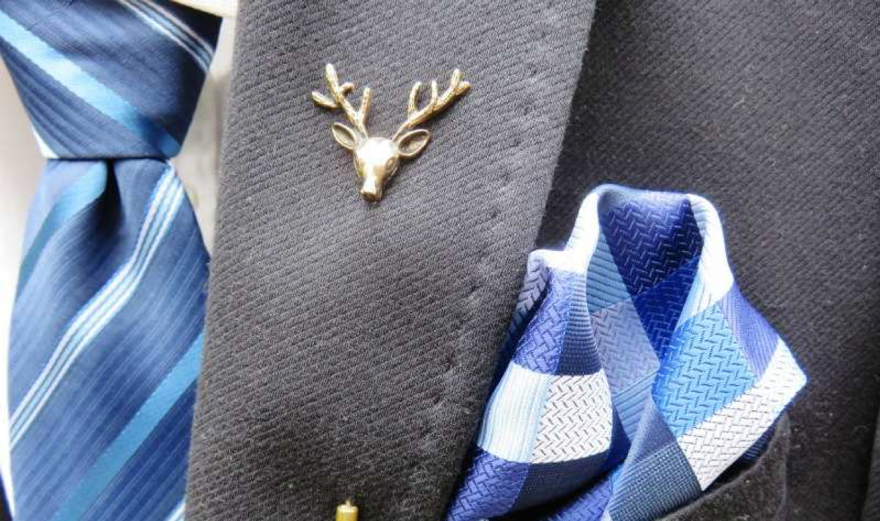 How to wear a lapel pin to look more elegant