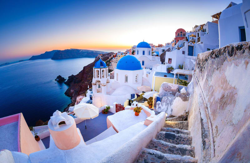 10 Reasons To Visit Santorini