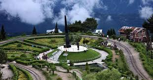 Darjeeling: Misty Mornings And Sunny Afternoons